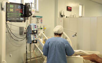 Pacientes com COVID-19 recebem tratamento do Hospital Sírio-Libanês