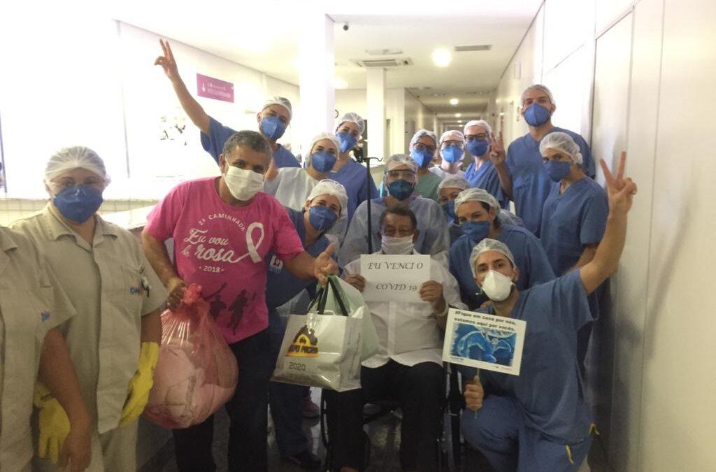 Em três dias, 15 pacientes vencem a Covid e recebem alta do HMAP